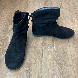 Arizona Jean Company• Black Kacy Slouch Booties